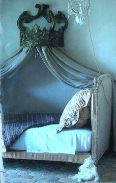 Romantic day bed in blues with a crown, gorgeous