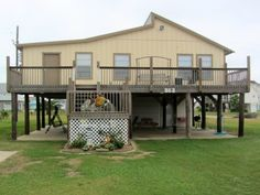 Sandy Shores Vacation Rental in Crystal Beach, TX