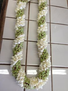Stephanotis lei Wedding Garlands, Flower Garland Wedding, Indian Wedding Decorations, Flower Garlands, Flower Decorations, Wedding Flowers, Hawaiian Leis, Hawaiian Flowers, South Indian Wedding Saree