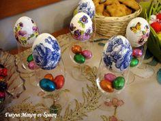 Πασχαλινά αυγά ντεκουπάζ - Γιαγιά Μαίρη Εν Δράσει Happy Easter, Easter Eggs, Diy Crafts, Decor, Happy Easter Day, Decoration, Dekoration, Diy Home Crafts, Inredning