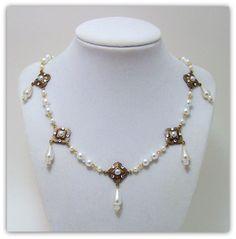 Medieval Necklace - Renaissance Necklace - Medieval Jewelry - Renaissance Jewelry, Tudor Jewelry, Tudor Necklace, Anne Boleyn, The Tudors