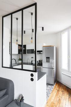 & & & & Modern kitchen black and white with canopy Duplex Design, Design Moderne, Küchen Design, Interior Design, Small Cottage Kitchen, Home Decor Kitchen, Tiny House Nation, Villa Luxe, Photo Voyage