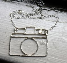 This necklace just makes me want to meet Rachel Pfeffer! I love her simple designs!