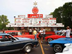 Home to more than just cheese curds, Wisconsin is an enclave of vintage Americana, by way of drive-in diners. La Grander's on Lake Wissota, Ardy