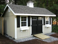 Would you get transom windows on the doors of your Garden Poolside? - GARDEN MY HOME Pool Shed, Backyard Sheds, Outdoor Sheds, Small Shed Plans, Small Sheds, Shed Makeover, Backyard Makeover, Farmhouse Sheds, Shed Landscaping
