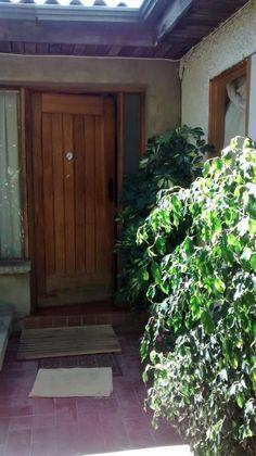 800m2 de terreno con Casa y Galpon, Limache Casa en excelente barrio, tr .. http://limache.evisos.cl/casa-con-galpon-y-terreno-de-800m2-limache-id-571371