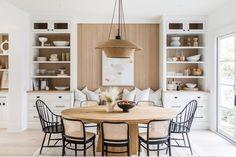 Dining Room Table Decor, Dining Room Design, Kitchen Dining, Room Decor, Dining Booth, Home Decor Kitchen, Dining Room Inspiration, House Design, Interior Design
