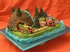 i love this idea for a train cake with the mountain. obviously it wouldnt have thomas on his polar express cake though Teddy Bear Birthday Cake, Thomas Birthday Cakes, Thomas Cakes, Cake Birthday, Birthday Fun, Birthday Wishes, Diy Cake, Cakes For Boys, Fancy Cakes