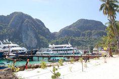 Getting around on Ko Phi Phi, Thailand  || Traveldudes Social Travel Community