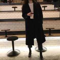 Korean Fashion Trends you can Steal – Designer Fashion Tips Mode Outfits, Korean Outfits, Fashion Outfits, Classy Outfits, Casual Outfits, Mode Russe, Estilo Dark, Vetement Fashion, Looks Black