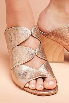 159 Summer Shoes Trending Today - Page 48 of 75 - shoesmodel Pretty Shoes, Cute Shoes, Trendy Womens Shoes, Shoe Wardrobe, Shoes Sandals, Heels, Heeled Sandals, All About Shoes, New Shoes
