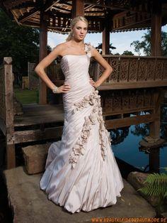 Preiswerte schöne Brautkleider aus Satin wie Seide mit Applikation Ruffle
