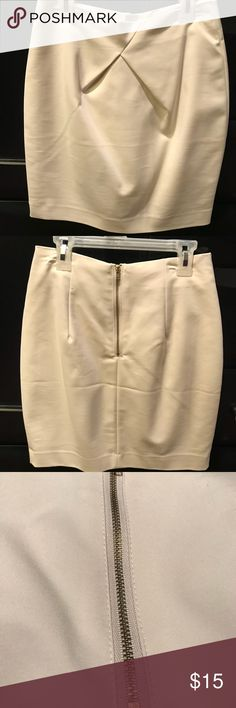 H&M Pleated Skirt in Cream This pleated skirt from H&M is just adorable! It is brand new, cream colored, and a size 6. H&M Skirts Mini
