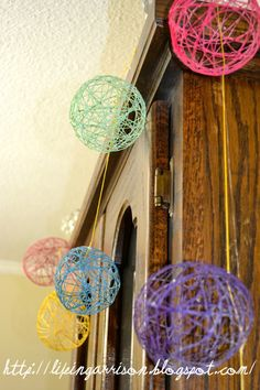 40 Fun and Joyful Easter Family Craft Ideas - Easter Egg Garland Tutorial Easter Crafts, Holiday Crafts, Holiday Fun, Easter Ideas, Making Easter Eggs, Handprint Art, Diy Easter Decorations, Diy Garland, Family Crafts