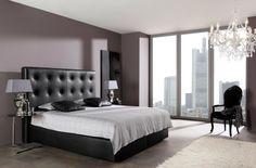 chambre adulte avec tête de lit en cuir noir capitonné