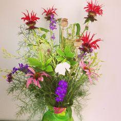 early summer arrangement : Carracj event late summer flowers #arrangementsbylee photo copyright lmc