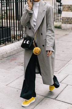 Love this jacket and fun yellow shoes.