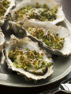 Grilled Oysters Rockefeller, a Favorite in BBQ Recipes Spinach Appetizers, Spinach Recipes, Appetizer Dips, Best Appetizers, Appetizer Recipes, Spinach Dip, Rice Recipes, Gordon Ramsay, Chefs