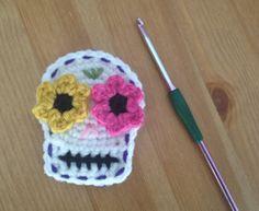 Crochet by Danelle Rae: Sugar Skull Motif Crochet Skull, Crochet Motif, Crochet Yarn, Crochet Stitches, Crochet Patterns, Crochet Appliques, Crochet Bunting, Crochet Dolls, Crochet Ideas