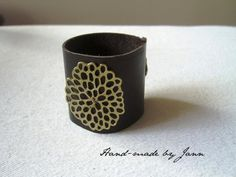 leather cuff - Hand-made by Jann