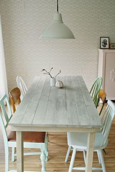 How to decorate a dining room pastel green and blue! | Decorating your home is facilisimo.com