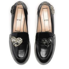 Embroidered calf leather loafers (29.990 RUB) ❤ liked on Polyvore featuring shoes, loafers, calfskin loafers, kohl shoes, calfskin leather shoes, calfskin shoes and black loafers