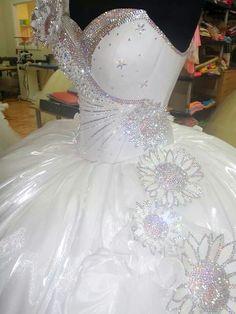 Fancy Wedding Dresses, Pretty Prom Dresses, Stunning Wedding Dresses, Beautiful Gowns, Bridal Dresses, Wedding Gowns, Bridesmaid Dresses, Barbie Mode, Quinceanera Dresses
