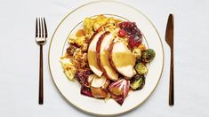 Bon Appétit's Absolutely, Positively Perfect Thanksgiving Menu. The Test Kitchen really nailed it for Thanksgiving Sides, Thanksgiving Recipes, Holiday Recipes, Holiday Foods, Holiday Ideas, Fall Recipes, Bon Appetit, Canned Cranberry Sauce, Idaho Potatoes
