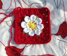 How to Crochet a Daisy Granny Square - Snapguide step by step, thanks so for great visual xox