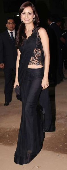 dia Mirza - sleek black look Indian Wedding Gowns, Indian Dresses, Indian Outfits, Indian Fashion Trends, Ethnic Fashion, Bollywood Saree, Bollywood Fashion, Kaftan, Saree Gown