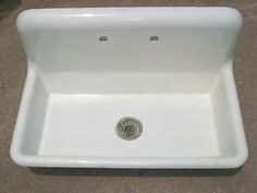 ANTIQUE VINTAGE CAST IRON PORCELAIN FARMHOUSE SINK Early 1900u0027s