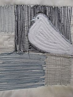 Dove in Lucy tower by Jantze Tullett Free Motion Embroidery, Free Motion Quilting, Embroidery Art, Machine Embroidery, Art Quilting, Sculpture Textile, Textile Fiber Art, Thread Painting, Thread Art