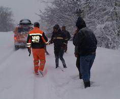 Kar yağışı ve Kocabaş Çayının Taşması Sonucu Mahsur Kalan Vatandaşlar Çanakkale AFAD Tarafından Tahliye Edildi