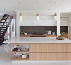 Apartment Kitchen, Home Decor Kitchen, Kitchen Interior, Home Design, Home Interior Design, Beach House Kitchens, Home Kitchens, Small U Shaped Kitchens, Kitchen Workshop