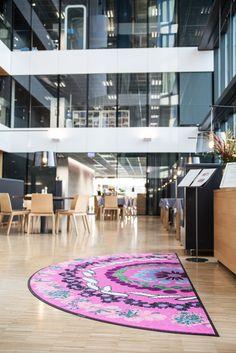 #lindstromgroup #matservices #mat #designmat #interiordesign #carpet #companyimage #brandimage #mandala #shapemats #semicircle #matrentalservice #rental #customerspecificdesignmat #image