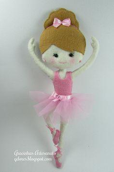 Little ballet dancer (felt) Felt Fabric, Fabric Dolls, Felt Christmas Ornaments, Christmas Crafts, Christmas Stocking, Felt Crafts, Diy Crafts, Human Doll, Felt Baby