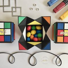 Boîtes anniversaire Rubik's cube Napkin Fold et son tutoriel Fancy Fold Cards, Folded Cards, Handmade Birthday Cards, Birthday Gifts, Marie Meyer, Diy Paper, Paper Crafts, Stampin Up, Origami Cards