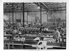 Stabilimento Alfa Romeo del Portello: montaggio gruppi meccanici (1910)