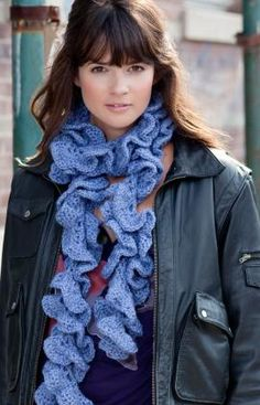 I've made some similar scarves, but this one is really curly. I can't wait to try making it.