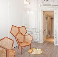 La Maison in Paris - honestly could the styling be any more amazing ?!~?