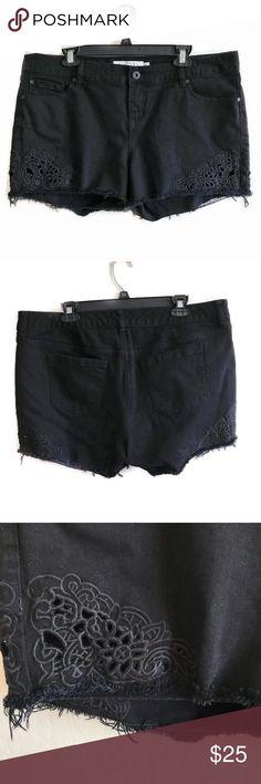 NWOT Torrid Womens Denim Floral Shorts Blue Embroidered Size 12 14 16 18 24