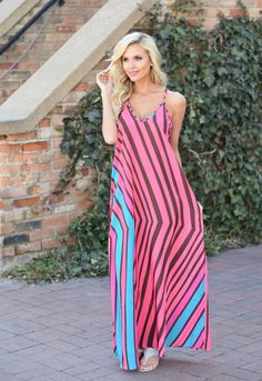 Leave Her Wild Maxi Dress. We love the hot pink and beautiful spring/summer pattern. Get it girl! Summer Outfits Women Over 30, Summer Dress Outfits, Night Outfits, Comfy Dresses, Casual Dresses, Maxi Dresses, Long Dresses, So Little Time, Sundresses
