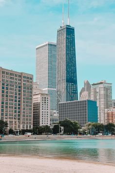 10 Very Best Things To Do In Chicago - Hand Luggage Only - Travel, Food & Photography Blog Must Do In Chicago, Chicago Things To Do, Chicago Travel, Travel Usa, Chicago Trip, Most Beautiful Pictures, Cool Pictures, Us Travel Destinations, Travelling Tips