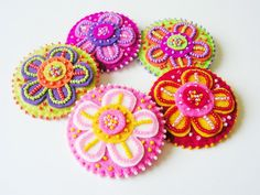 Abalorios fieltro flor broche flor colorida Pin por MisPearlBerry