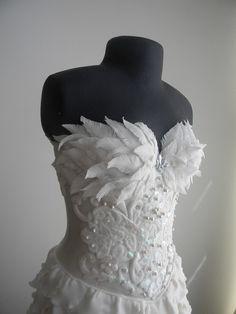 Vestido de noiva feito de açúcar by A de Açúcar Bolos Artísticos, via Flickr