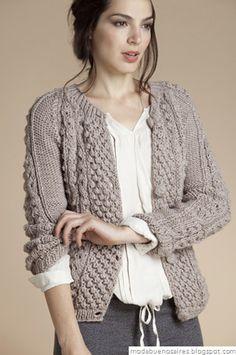 Handknit cardigan with bobble pattern Crochet Woman, Knit Or Crochet, Knitting Designs, Knitting Projects, Left Handed Crochet, Knitting Patterns, Crochet Patterns, Cable Knit Hat, Crochet Clothes