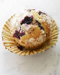 Blueberry muffins are a breakfast staple in most homes. This blueberry muffin recipe features two options for topping. Make the crumb topping, or sprinkle granulated sugar and freshly grated mace over the blueberry muffin batter just before baking. Martha Stewart Blueberry Muffins, Blue Berry Muffins, Almond Muffins, Muffin Recipes, Breakfast Recipes, Bread Recipes, Martha Stewart Recipes, Yummy Food, Tasty