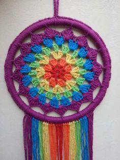 Ideas Crochet Mandala Shawl Granny Squares For 2019 Crochet Circle Vest, Crochet Circles, Mandala Rug, Mandala Crochet, Crochet Dreamcatcher, Embroidery Hoop Crafts, Weaving Yarn, Crochet Pillow, Crochet Videos