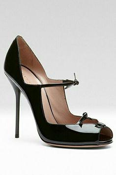 Gucci - Women's Shoes - 2013 Pre-Fall Amazing take on a classic Mary Jane!