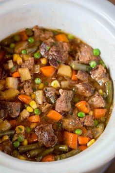 Slow Cooker Vegetable Beef Soup Vegetable Beef Barley Soup, Vegetable Lunch, Vegetable Noodles, Beef And Noodles, Beef Soup Recipes, Vegetable Soup Recipes, Veggie Soup, Vegetable Ideas, Drink Recipes